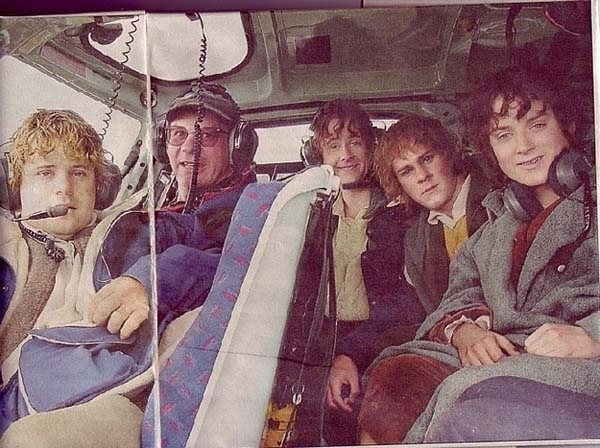 Dàn diễn viên trong phim Chúa tể của những chiếc nhẫn đã được hộ tống bằng trực thăng đến trường quay
