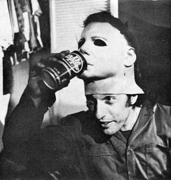 Thức uống yêu thích của kẻ giết người hàng loạt