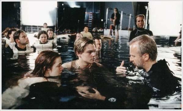 Cảnh ngâm mình trong làn nước băng giá của Jack và Rose trong Titanic thật ra là được quay ở... một hồ nước nhỏ