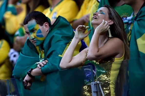 Người hâm mộ Brazil không thể tin đội nhà thua tới 1-7 trước tuyển Đức.