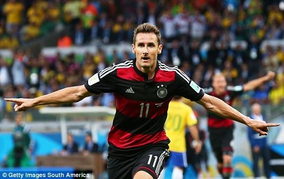 Klose đã có bàn thắng thứ hai tại World Cup 2014, một bàn thắng của kỷ lục