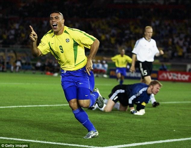 Kỷ lục của Ronaldo đã bị xô đổ