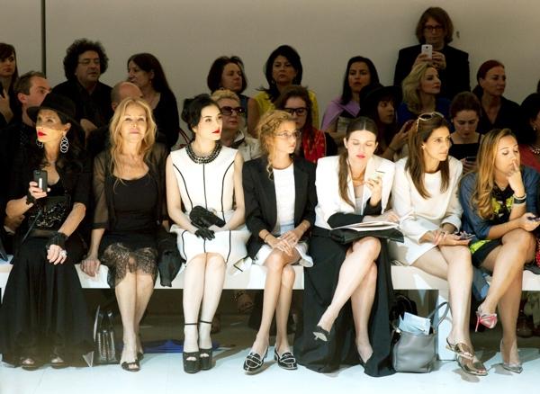 Lý Nhã Kỳ bất ngờ lộ diện tại Paris Fashion Week - Tin sao Viet - Tin tuc sao Viet - Scandal sao Viet - Tin tuc cua Sao - Tin cua Sao