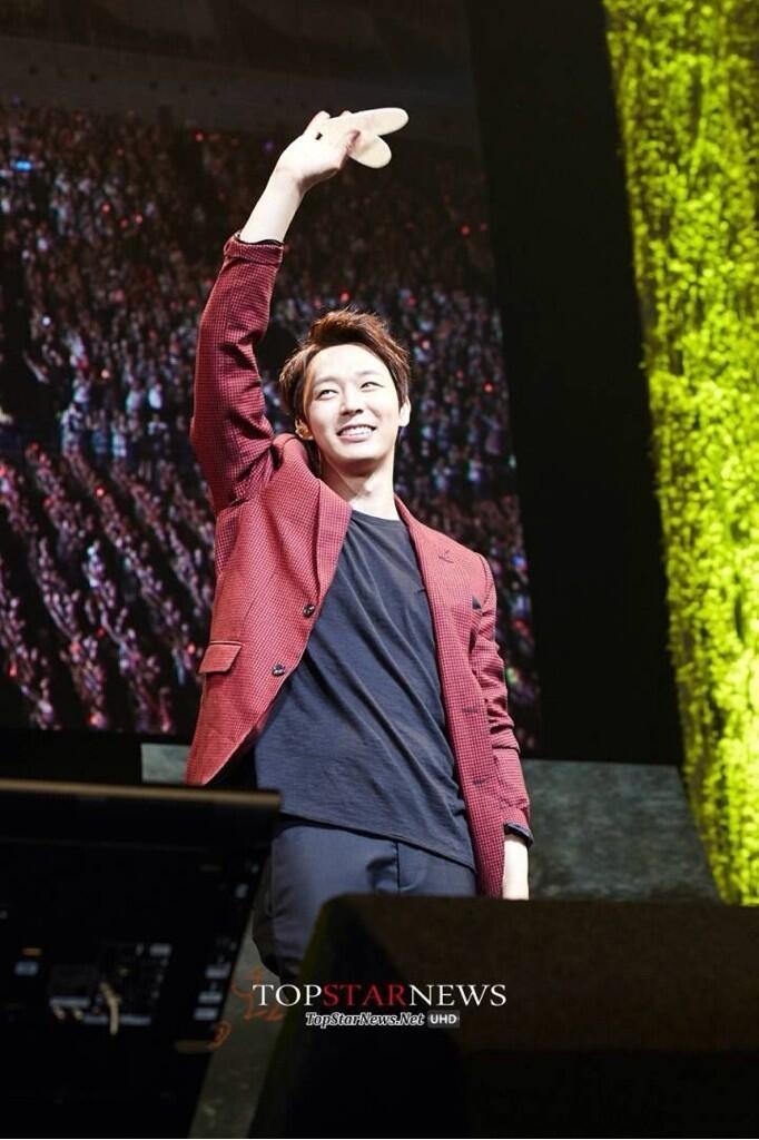 Yoochun hạnh phúc vỡ òa bên 15.000 fan Nhật