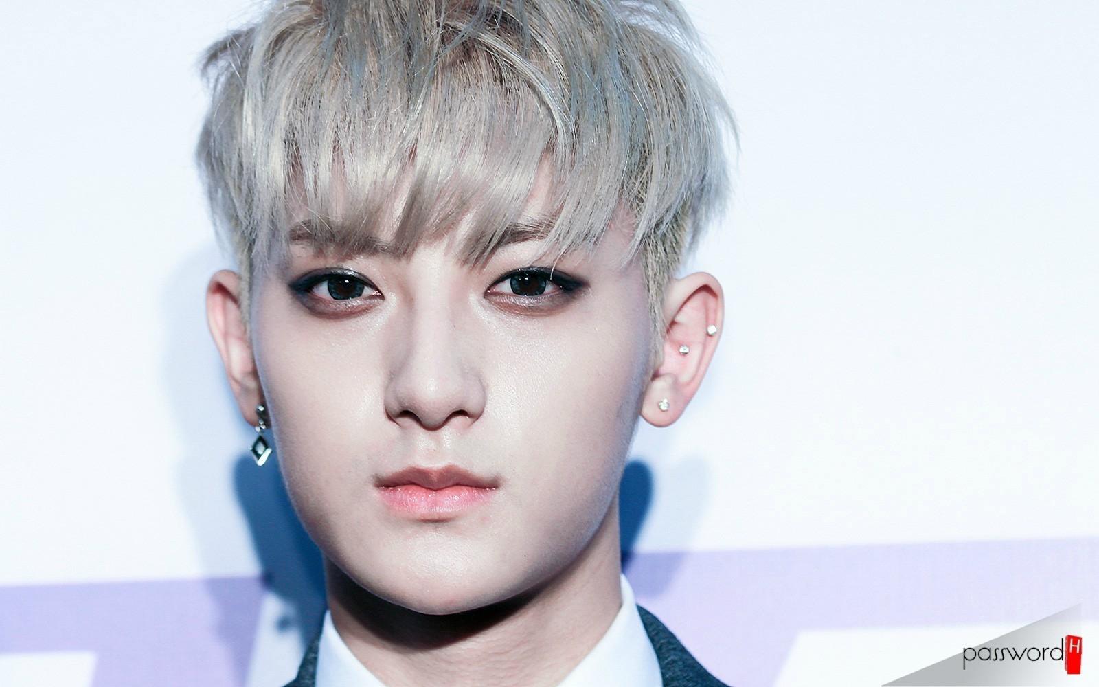 Tao (EXO) năn nỉ fan hãy tin mình