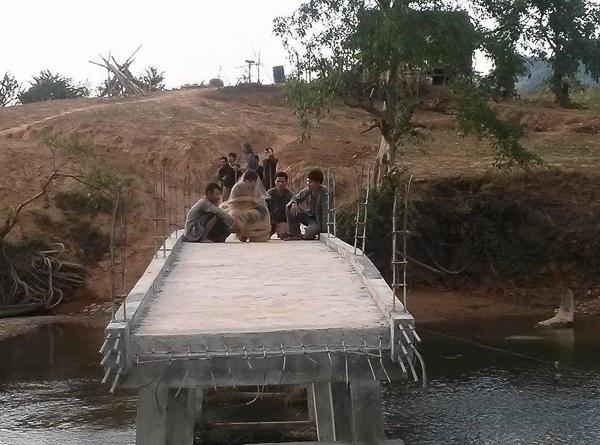 Trần Bảo Sơn bị bạn diễn quăng xuống sông - Tin sao Viet - Tin tuc sao Viet - Scandal sao Viet - Tin tuc cua Sao - Tin cua Sao