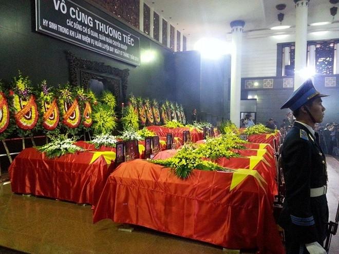 Lễ viếng diễn ra từ 7 đến 10h, lễ truy điệu 10-11h. Sau đó, một số chiến sĩ sẽ được đưa đi hỏa táng, còn một số khác, thể theo nguyện vọng của thân nhân sẽ được đưa về quê an táng tại nghĩa trang liệt sĩ địa phương.