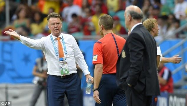 HLV Van Gaal sẽ không nghỉ ngơi khi trở về từ Brazil để bắt tay ngay vào công việc ở Man United