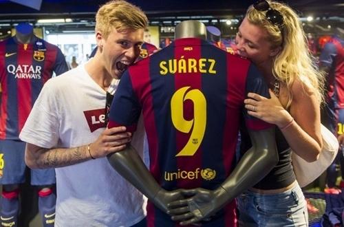 [Bóng đá] Barca ra luật Suarez: Cắn 1 người, trả 3 triệu Bảng