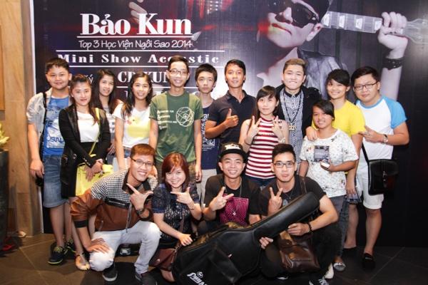 Bước ra từ cuộc thi Hot Vteen 2011 với giải thưởng Hot Vteen toàn quốc và Hot Vteen phong cách, Bảo Kun (tên thật: Phạm Gia Bảo) nhanh chóng khẳng định được tài năng của bản thân trong rất nhiều những vai trò khác nhau.