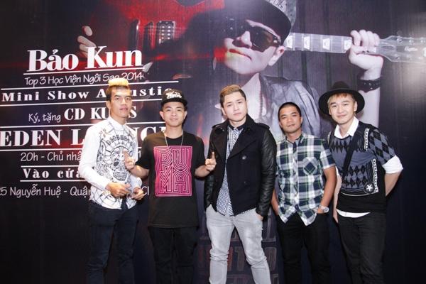 Không chỉ có khả năng ca hát, MC, diễn xuất, Bảo Kun còn tự biết sáng tác và sản xuất âm nhạc ngay từ khi tuổi đời còn khá trẻ.