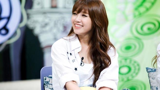 Eunji được Mina (AOA) hết lời khen ngợi