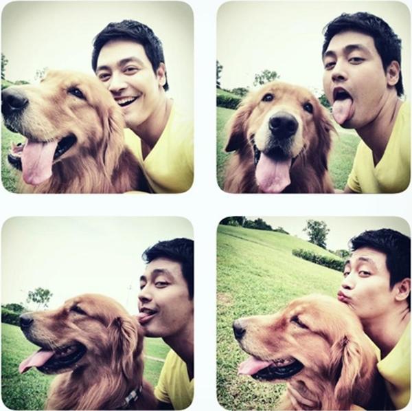 Chàng MC điển trai Phan Anh hớn hở, tinh nghịch bên chú chó yêu.
