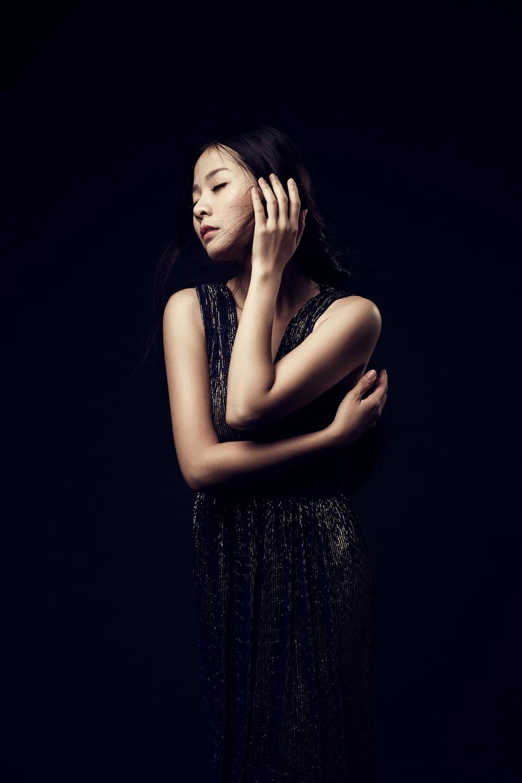 Cô gái trẻ Quỳnh Chi với mối tình tay tư đầy nước mắt.