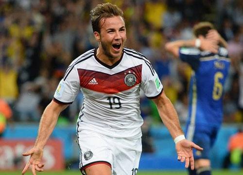 Goetze ăn mừng bàn thắng quyết định ở phút 113 giúp Đức vô địch.
