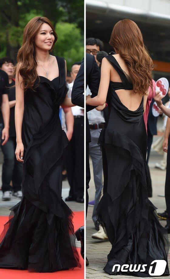 Sooyoung lộng lẫy trên thảm đỏ Miss Korea 2014
