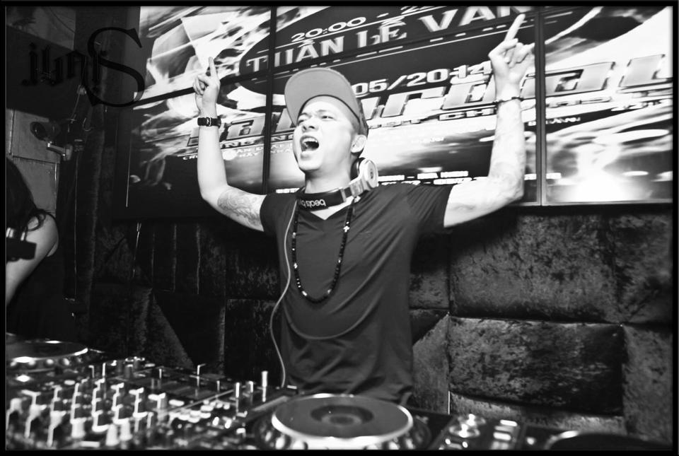 """DJ Tommy """"lấn sân"""" làm ông bầu đưa DJ Việt ra """"biển lớn"""""""