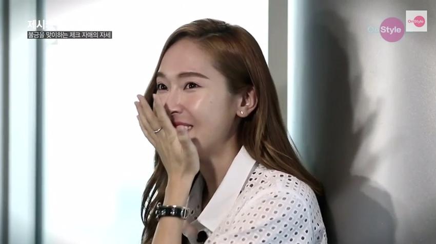 Jessica nhớ em gái Krystal đến phát khóc