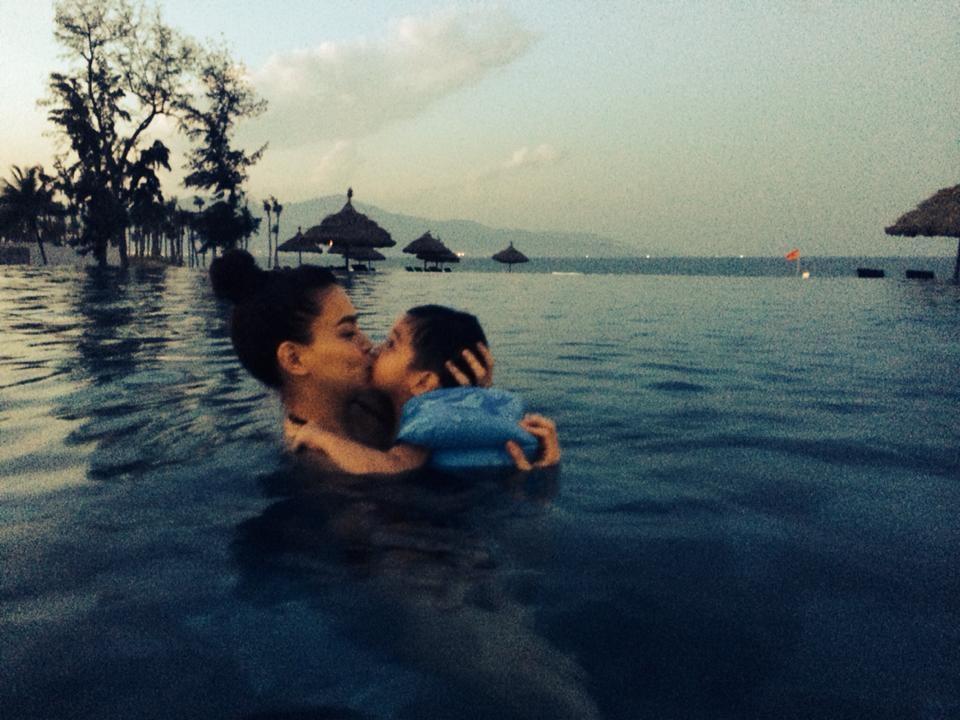 Hồ Ngọc Hà và con trai