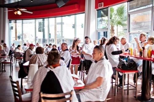 Thói quen trong nhà hàng và những điều đáng suy nghĩ