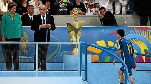 Tiết lộ gây sốc về phiếu bầu QBV cho Messi