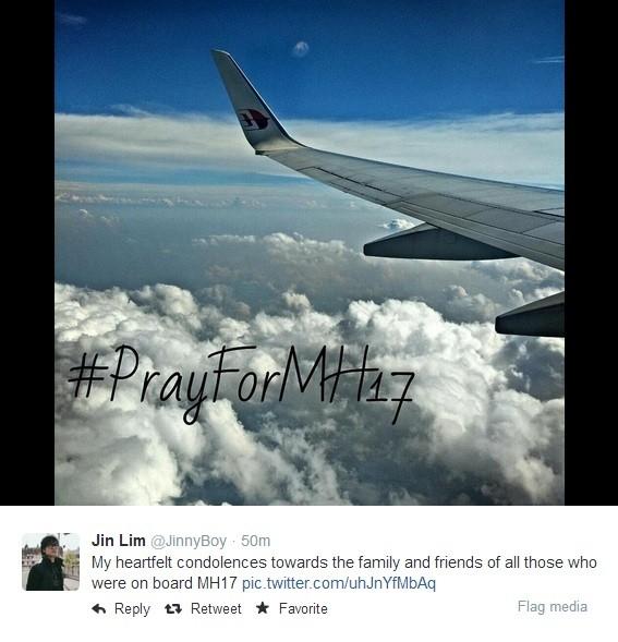 """""""Gửi lời chia buồn đến gia đình và bạn bè của những hành khách trên chuyến bay MH17"""", Jin Lim và hàng triệu tài khoản Twitter khác đã đăng tải những dòng tâm trạng phẫn nộ, lo âu cũng như chia buồn đến các nạn nhân."""
