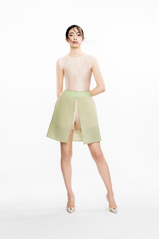 Đổi gió với những kiểu quần đồng hồ cát cho mùa Xuân Hè 2014