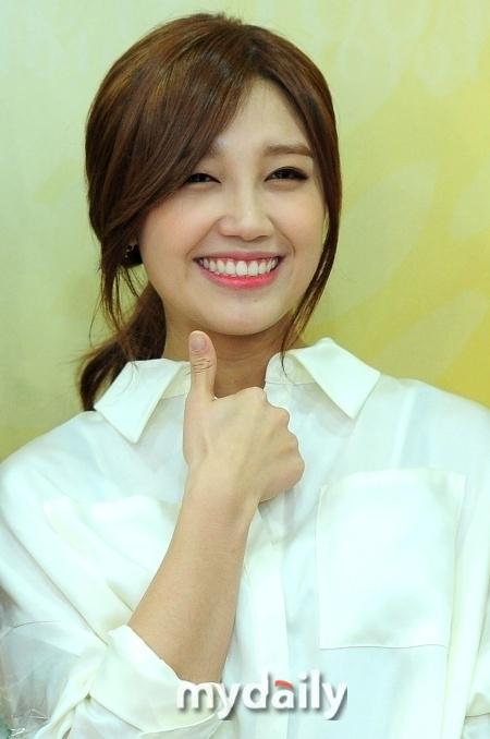 Eunji ghi điểm tuyệt đối với đoàn làm phim Trot Lovers