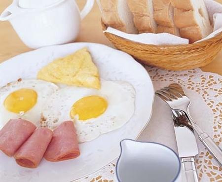 [Sống khỏe] Những cách ăn sáng nguy hiểm hơn cả không ăn