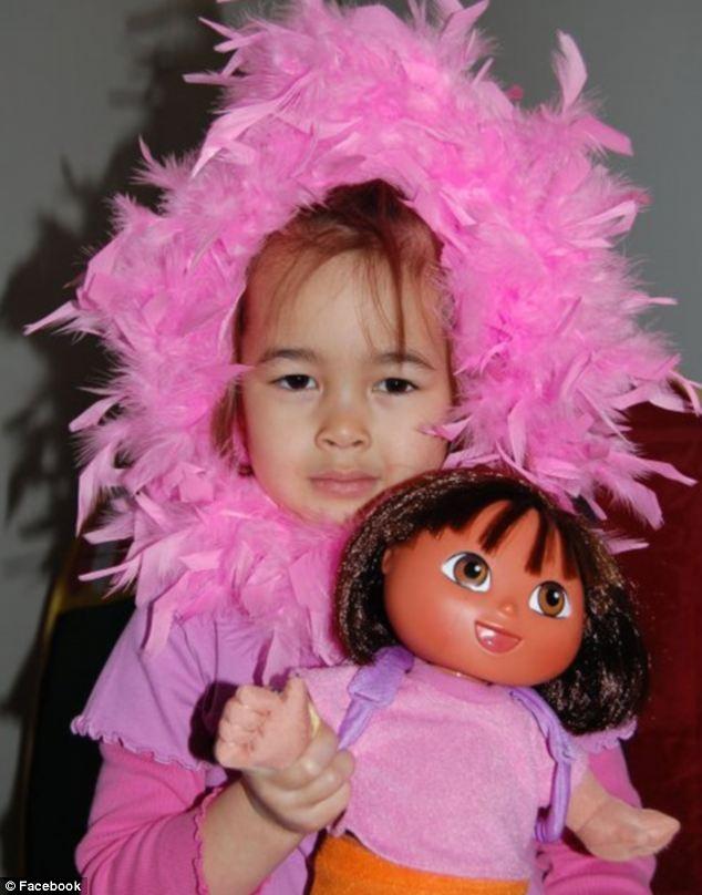 Em gái của Marnix và Piers, Margaux van den Hende, (8 tuổi), cũng đã tử nạn trên chuyến bay.
