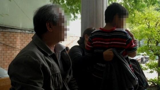 Ông bà nội đang chuẩn bị đưa cháu Kỳ Nam về nhà tại Long An.