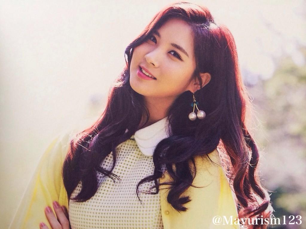 """Seohyun: """"Nói thật, tôi chưa bao giờ có ý nghĩ sẽ rời khỏi SNSD. Trong suốt khoảng thời gian khó khăn, tôi không hề cô đơn và luôn có 8 người chị bên cạnh. Vì thế tôi đã dễ dàng vượt qua mọi thứ""""."""