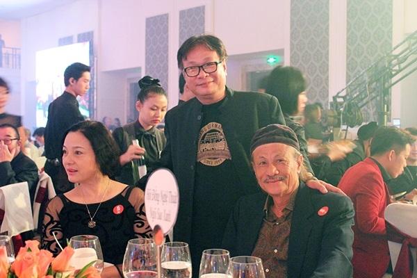 Đạo diễn Lê Cung Bắc cũng tham gia buổi ra mắt.