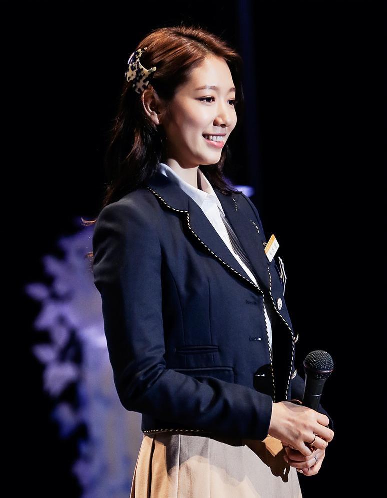 Fan thích thú khi Park Shin Hye tái hiện Cha Eun Sang