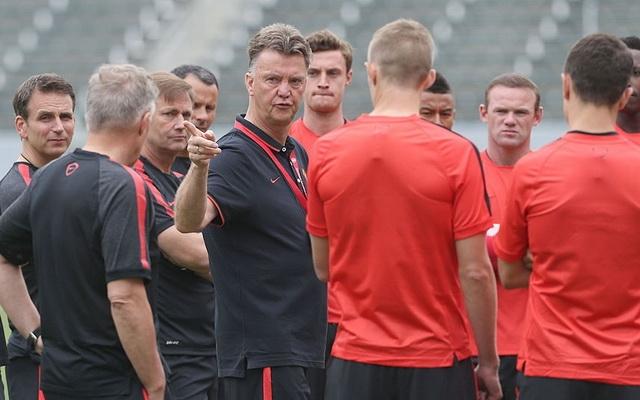 Louis van Gaal gấp rút bổ sung hàng phòng ngự và Mats Hummels là lựa chọn hợp lý
