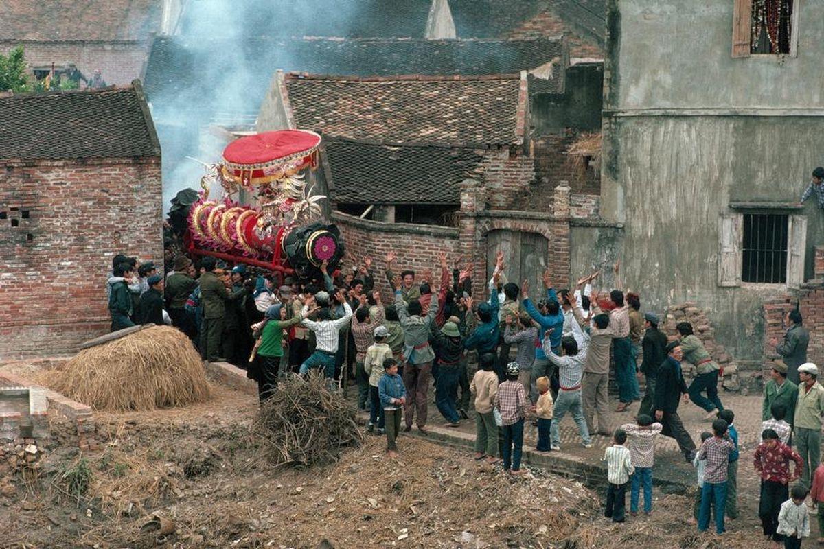 Hội rước pháo tại làngĐồng Kỵ, Từ Sơn, Bắc Ninhvào ngày Tết