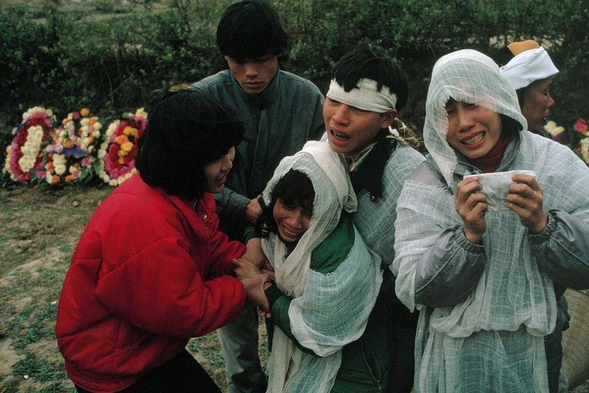 Đám tang thấm đượm nước mắt của một gia đìnhHà Nội