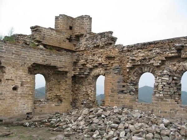 Năm 2006, chính phủ Trung Quốc từng đưa ra kế hoạch trùng tu Vạn Lý Trường Thành, nhưng công trình này quá lớn nên chưa đủ kinh phí thực hiện.