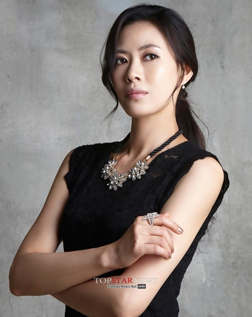 Nữ diễn viên Yoo Chae Young qua đời vì bệnh ung thư dạ dày