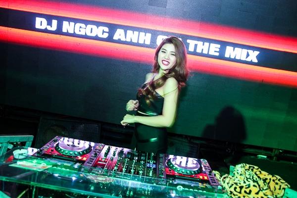 DJ 9X kiếm tiền tỷ táo bạo làm liveshow riêng
