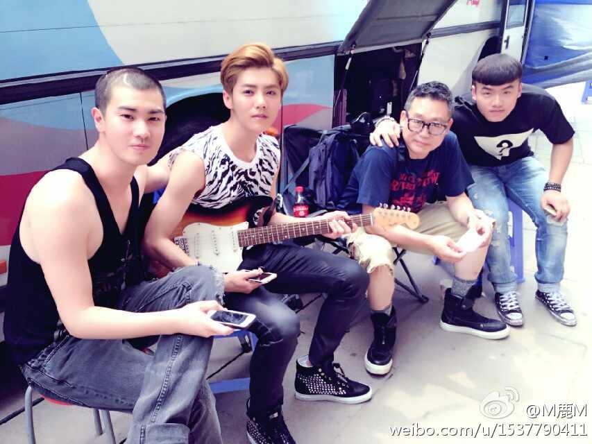 Những hình ảnh được Luhan đăng tải cùng dòng cảm xúc trên weibo