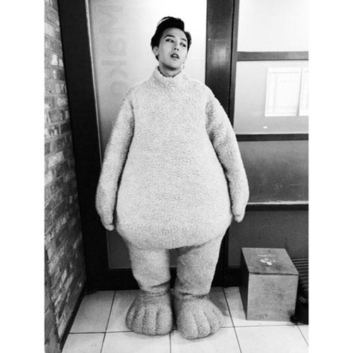 G-Dragon khoe hình mặc đồ gấu cực đáng yêu