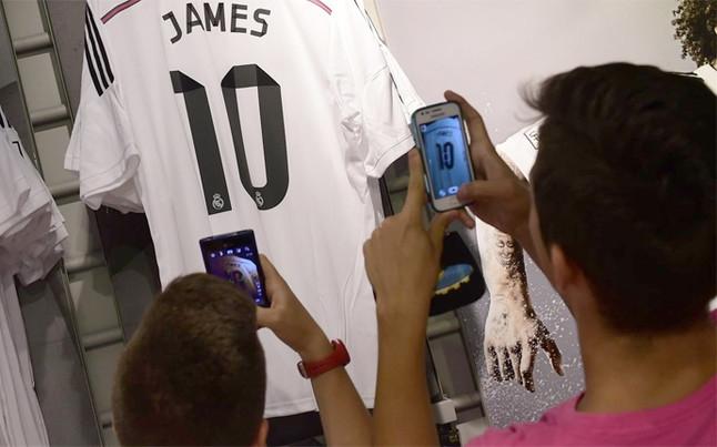 Áo đấu của James được tiêu thụ nhanh một cách chóng mặt