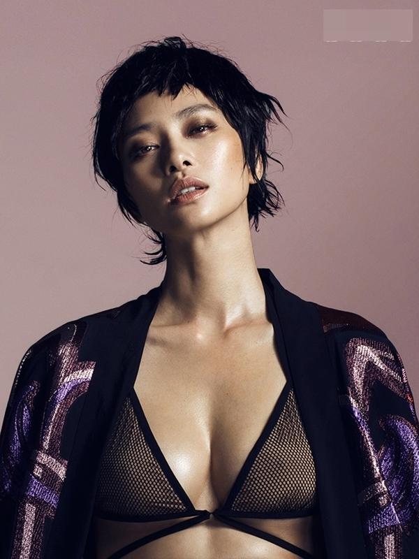 """Hình ảnh sexy này khiến nhiều khán giả cảm thấy bất ngờ khi cô nàng """"đả nữ"""" thường theo đuổi phong cách kín đáo, thanh lịch. - Tin sao Viet - Tin tuc sao Viet - Scandal sao Viet - Tin tuc cua Sao - Tin cua Sao"""
