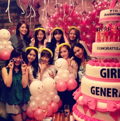 Sooyoung khoe hình mừng 7 năm sinh nhật SNSD