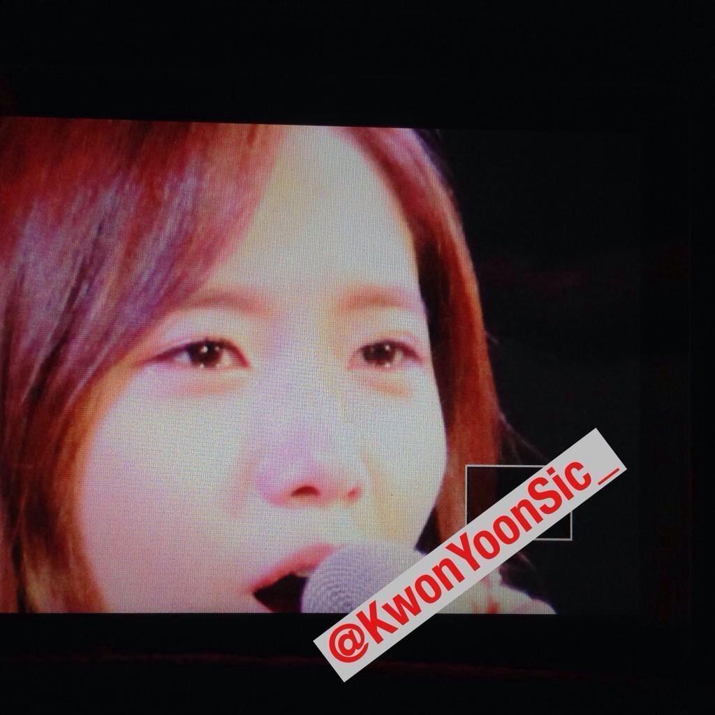 Yoona bật khóc trước tình cảm của fan Thái