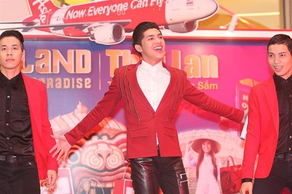 """Một ngày theo chân Noo Phước Thịnh """"chạy show"""" - Tin sao Viet - Tin tuc sao Viet - Scandal sao Viet - Tin tuc cua Sao - Tin cua Sao"""