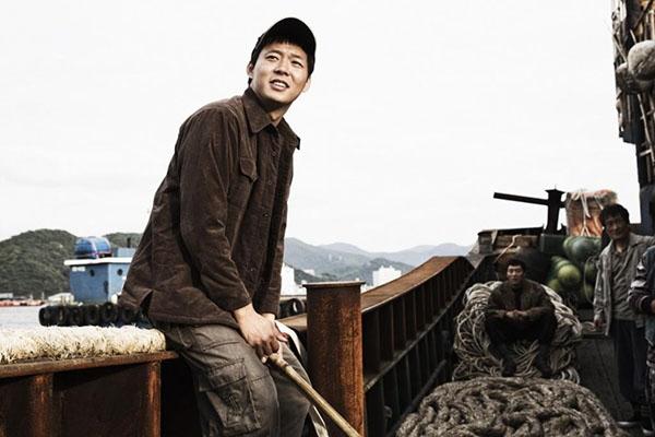 Yoochun lo lắng về cảnh giường chiếu trong phim mới