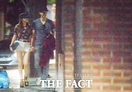 Lộ ảnh hẹn hò thân mật của Minah (Girl's Day) và cầu thủ bóng đá