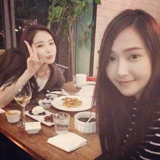 Kang Minkyung (Davichi) khoe hình chụp cùng Jessica